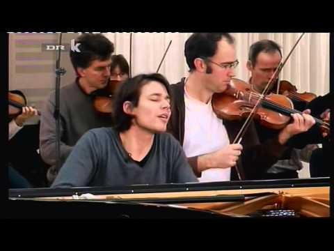 David Fray  Largo & Presto from Bach's Concerto No 5 in F Minor BWV 1056) - YouTube