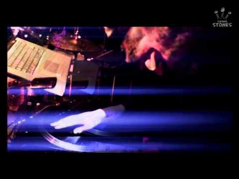 【MVフル】MAN WITH A MISSION「DANCE EVERYBODY」 - YouTube