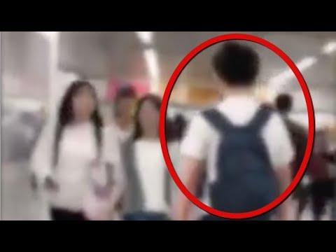 新宿駅で女性とぶつかり稽古する奴を見たことありますか? - YouTube