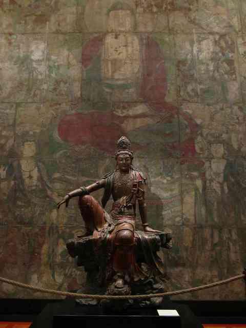 【話題の画像】の片足をゆったり前に出した少し雰囲気の違う観音菩薩像が何なのかを調べてみた