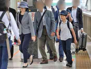悠仁さま、紀子さまと広島訪問 慰霊碑に深々と拝礼
