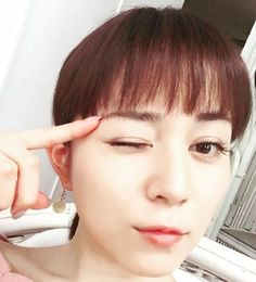 女優の自撮りを貼るトピ