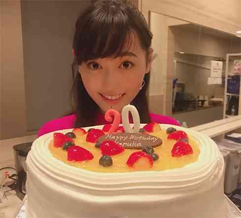 """「もう幸せでおかしくなりそう」福原遥が20歳の誕生日、""""まいんちゃん""""の成長喜ぶ声があふれる"""