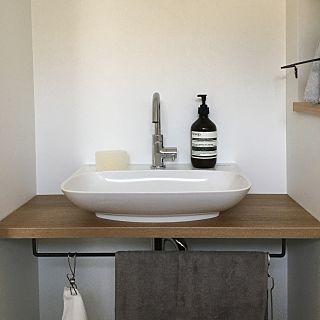 工藤静香、「ゴージャスすぎる…」花で飾られた自宅トイレが凄すぎると話題に