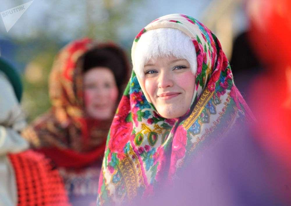 頬の赤い娘、それとも雪のように白い肌の娘?世界各地の美貌の基準