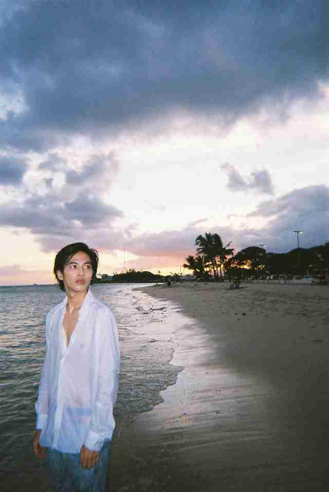 志尊淳の2nd写真集「23」発売、ハワイで「ゆるーく、自分のやりたい事をした」