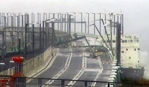 台風21号 関西国際空港連絡橋 衝突タンカーにメディアが責任論!? 航海士「船員を批判するのはやめて」