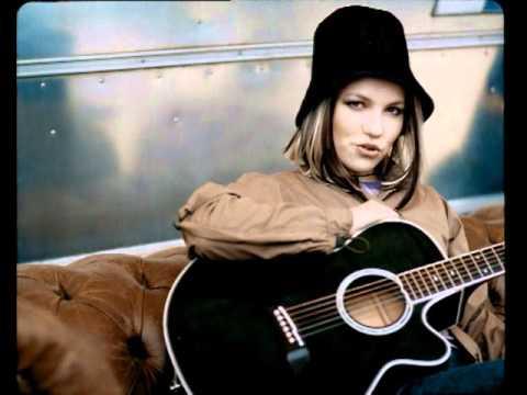 Lene Marlin - Sitting Down Here - YouTube