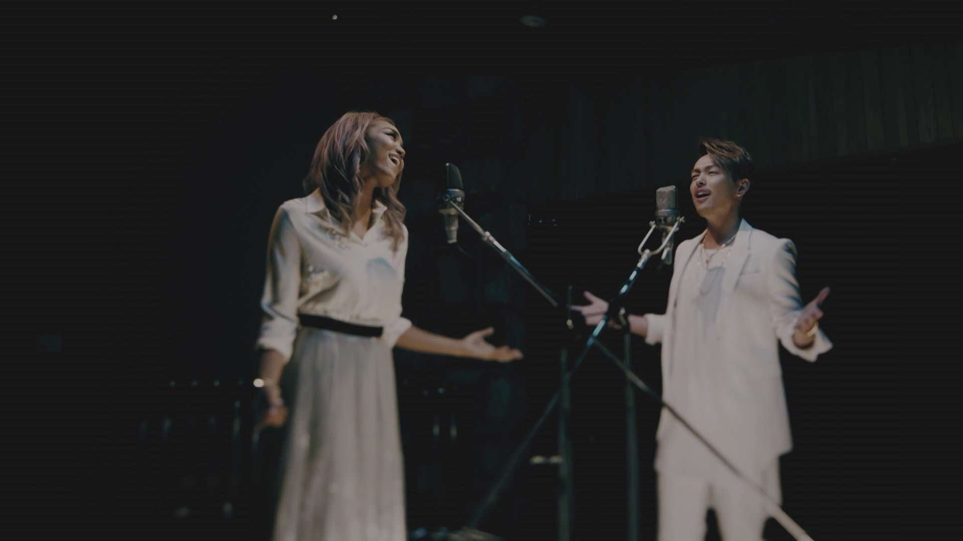 Crystal Kay feat. 今市隆二(三代目J Soul Brothers from EXILE TRIBE)「Very Special」スペシャル・ムービー【New AL「Shine」収録】 - YouTube