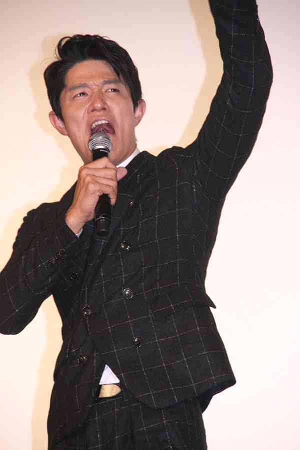 鈴木亮平、30キロ増量に苦労も「ゴツメンブーム到来」と高らかに宣言! | cinemacafe.net