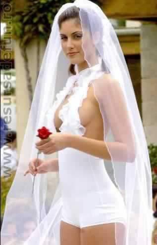 【結婚式】ウェディングドレス(どんなドレスを選びましたか⁇ )