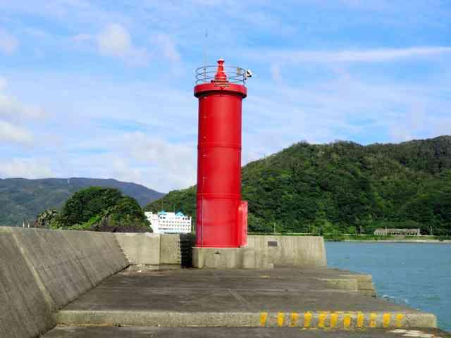 鹿児島・奄美で灯台が消失 根元から無くなる