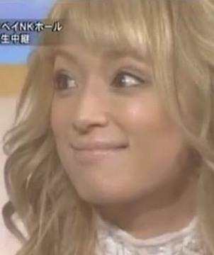 浜崎あゆみ、ミニスカ美脚に「スタイル抜群」「憧れる」と注目集まる