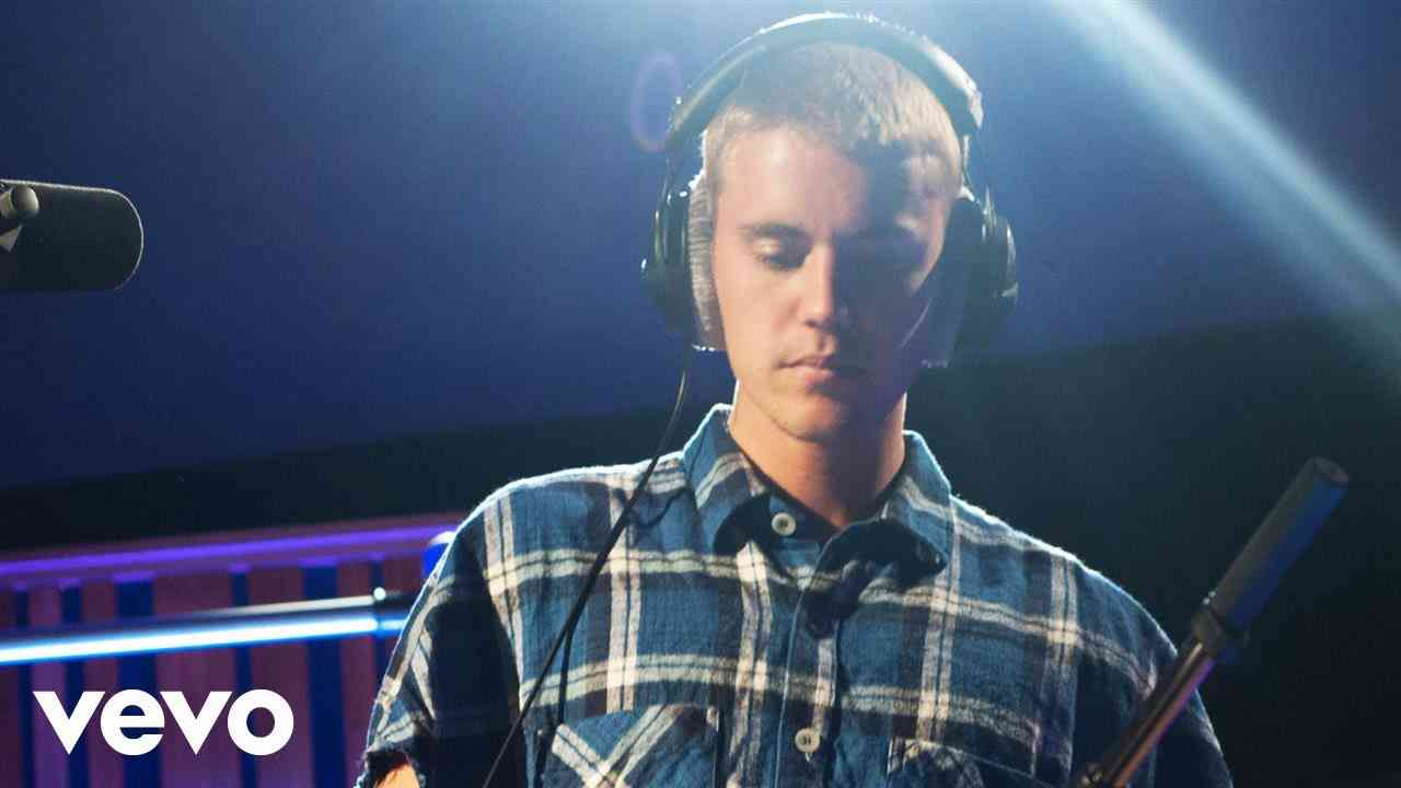 Justin Bieber - Cold Water in the Live Lounge - YouTube