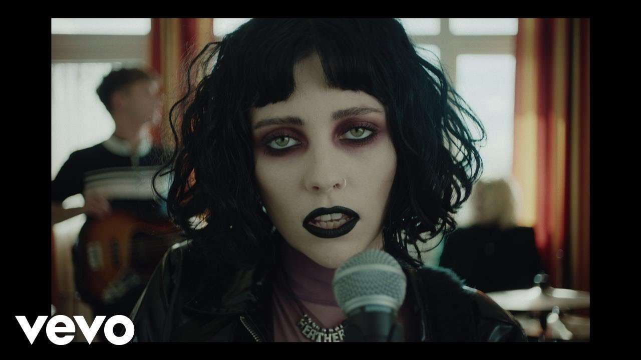Pale Waves - Television Romance - YouTube