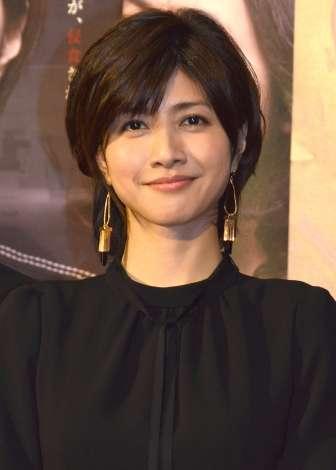 """内田有紀""""新・美熟女王""""だ 42歳で変わらぬかわいさと色気増す美しさ"""