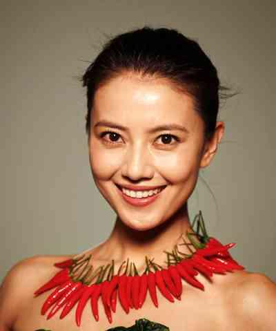 中国の女優ファン・ビンビン 140億円もの追徴課税を現金で完納してしまう