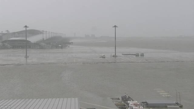 関西空港に利用者約3000人孤立状態 台風により連絡橋の再開めどたたず