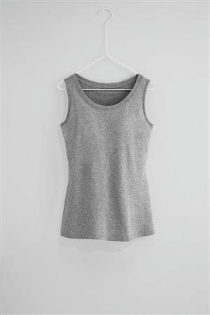 オンワード樫山が「着る化粧品」を販売へ、化粧品扱いの衣料品