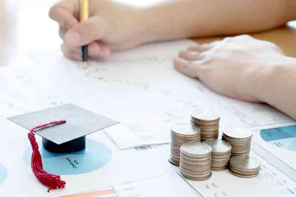 返済義務のない給付型の奨学金 学費をタダ同然にできる可能性も - ライブドアニュース