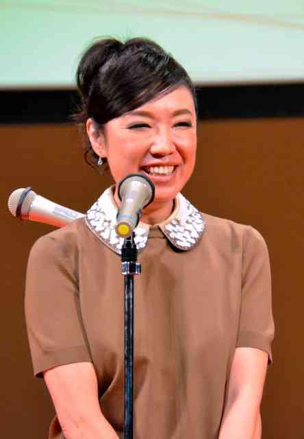 ユーミンを名誉区民、壇上で「由美」と大写し 本人苦笑:朝日新聞デジタル