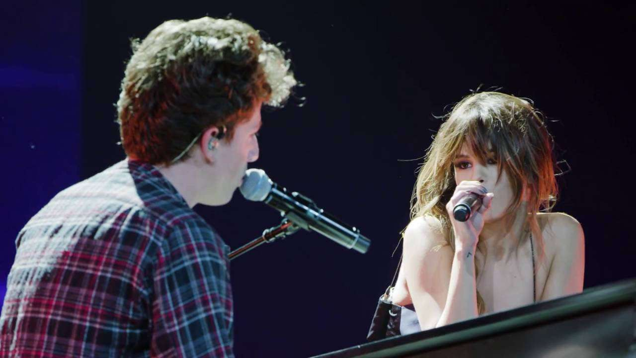 Charlie Puth & Selena Gomez - We Don't Talk Anymore [Official Live Performance] - YouTube