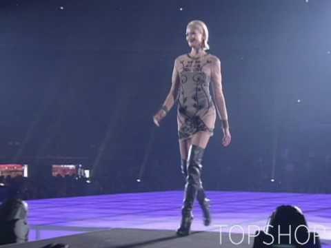 東京ガールズコレクション 2010 TOPSHOP - YouTube