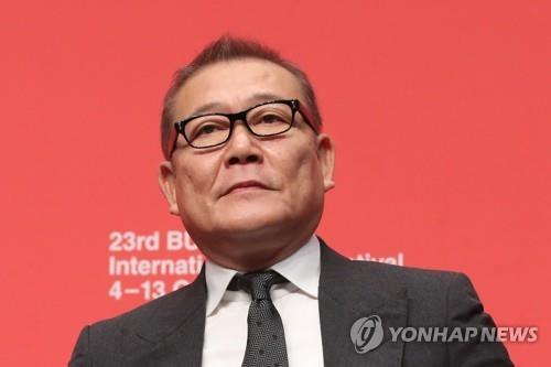 釜山映画祭主催側が國村隼さんに謝罪 政治的質問で誤解招いた